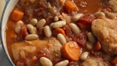 chicken breasts, bones, and skin removed 1 – 15 ounces canned cannellini beans – white or red kidney beans – rinsed and drained 2 cups jarred pasta sauce like Barilla, Prego, Ragu or Classico 1 – Steamed Cabbage, Cabbage Soup, Tuscan Chicken, Fire Roasted Tomatoes, Bean Stew, Weight Watchers Meals, Slow Cooker Recipes, Crockpot Meals, Soups And Stews
