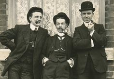 Fashionistas of the early 1900s - Tom Phillips