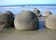 """""""Kugelförmige Steine"""