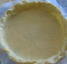 Pasta brisé per torte salate - senza burro - http://www.ricettedigusto.info/pasta-brise-facile-da-fare/