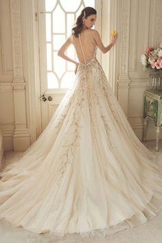 Classic Court Train A-line Beading Tulle Sleeveless V-neck Designer Wedding Dresses