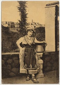 FROSINONE - COSTUME CIOCIARO 1952 Something Grandma Bruce would wear. Historical Clothing, Historical Photos, Costumes Around The World, Italian Traditions, Vintage Fashion 1950s, Italian Women, 10 Picture, My Heritage, People Of The World