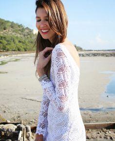¿Quién dijo que el blanco es sólo para el verano? Ana Vide desde su blog Ibiza Rocks Me by Ana Vide nos propone un look perfecto para esta noche ¡en blanco puro!  http://www.ibizarocksme.es/2013/12/blanca-navidad.html