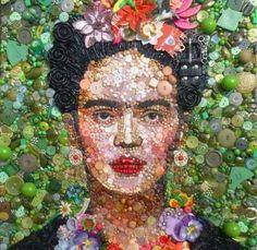 Frida Kahlo, an extraordinary artist. Made from buttons. An incredible piece!!