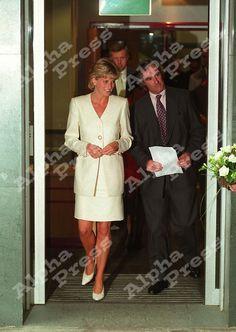 "PRSS.DI  27/06/96 MORTIMER MARKET CENTRE,LONDON..PRINCESS DIANA.""PRINCESS DIANA'S BATTLE ON AIDS"""