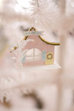 She Dreams About A Pink Christmas Shabby Chic Christmas, Little Christmas, Christmas Colors, Winter Christmas, Vintage Christmas, Christmas Crafts, Christmas Decorations, Xmas, Christmas Ornaments