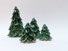 Adult Workshops  Register for our upcoming workshops online We have exciting workshops coming up at The Clay & Glass. Sign up for your favourites today!  Snowfolk for the Holiday Season with Judy Donaldson Come to the Gallery for two evenings to make ceramic snowfolk sculptures for the holiday season. Monday evenings November 20 …