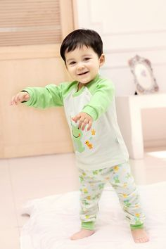 2015 New Cute Fashion Frog Green Spring Fall Autumn Baby Clothing Sets Unisex Factory Direct Clothing Cheap Character Newborn Clothing Suits Cotton For 0-24M Baby Boy Baby Girl Clothes Set Brand Infant Garment Fashion Striped Orange Roupas Bebes Clothes Set Suits China Brand