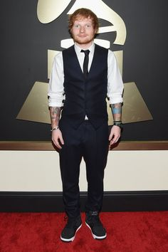 Ed Sheeran was one of the superstar guests at the Grammy Awards on Sunday night. He showed up dressed like this. Pretty dapper, right?