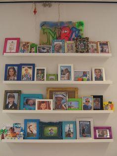 Van elk kind een mooie foto in een lijstje. Er is meteen te zien wie er in deze groep zit.