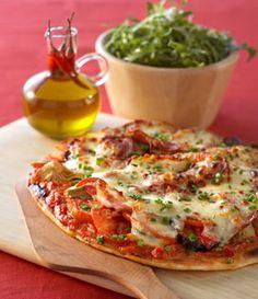 Pizza à la pancetta et légumes confits à la mozzarella