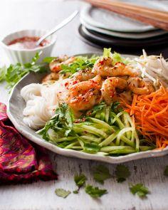 オーストラリアの有名なビル・グレンジャーのベトナム風ドレッシングを使ったとても新鮮なサラダです。ドレッシングはナンプラー(フィッシュソース)を使っていますが臭みは無くそれでいてしっかりした味付けです。
