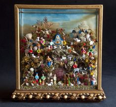 CRAA > Artesanato > Presépios de Lapinha > - Centro Regional de Apoio ao Artesanato Shadow Box Art, Antique Wax, Nativity Scenes, Arte Popular, Vignettes, Altar, Dolls, Regional, Antiques