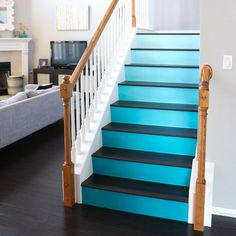 stair risers clever - Google Search Black Painted Stairs, Painted Stair Risers, Painted Staircases, Staircase Spindles, Stairs Colours, Room Deco, Staircase Makeover, Coastal Living Rooms, Staircase Design