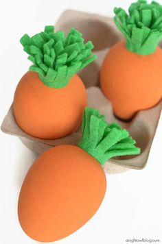 Adorable and easy DIY Carrot Easter Eggs #yearofcelebrations #easter