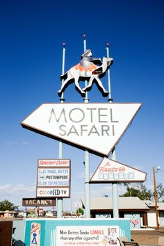 Tucumcari is FULL of amazing vintage signs like the one in front of Motel Safari! // Tucumcari, NM along Route 66