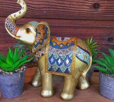 Beauty Tips - Beauty Routine Elephant Meaning, Yoga Zen, Feng Shui Energy, Buddha Meditation, Statue, Beauty Routines, Decoration, Light In The Dark, Beauty Hacks