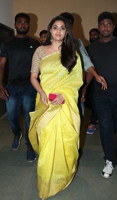 Discover thousands of images about Keerthi Suresh Sari Blouse Designs, Saree Blouse Patterns, Salwar Dress, Simple Sarees, Saree Trends, Stylish Sarees, Elegant Saree, Fancy Sarees, Indian Beauty Saree