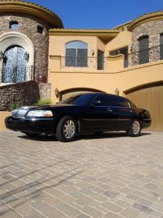 Choose this company for quality limousine transportation services. Their private drivers take you to and from the airport. Check out their limo rates. Click to get a quick quote or check out reviews for this limousine driver.