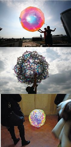 Playing with solar and light - Tomas Saraceno - I want it in my room! Solar Installation, Happy Things, Science And Technology, Chandeliers, Cool Pictures, Contemporary Art, How To Memorize Things, Clever, Balloons