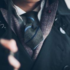 gentlemenwear:   Double four-in-hand knot captured... - Gentlemen Wear This