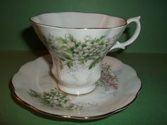 Royal Albert Tea Cup and Saucer Friendship Series Hawthorn Lyric Shaped