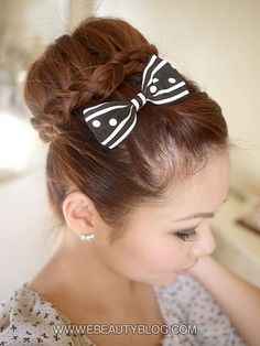 love! includes video on how to do it!  Hmmmm could be Maddie's birthday hairstyle