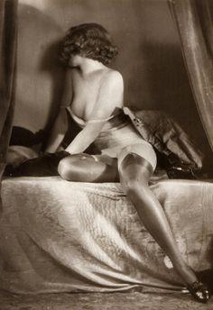 Vintage boudoir 1909