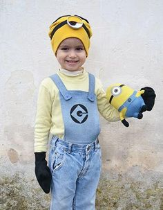 Homemade Minion Costume | Try out this adorable DIY costume for the kids this Halloween!