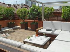Image result for jardines para el balcon con barbecue area
