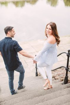 Are you wondering whether you should have an engagement session or how to arrange it, where to do the shoot and why they are so popular? Well, we have the answers for you from fine art Photographer Christina Sarah Photography. She talks you through the engagement shoot, shared her beautiful session with Hayley + Richie, and includes her key tips for you too!