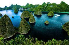 Tips Berwisata di Raja Ampat, Papua, Indonesia!!