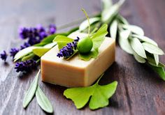 Soap Recipes For Beginners - homemade soap Diy Beauty Hacks, Soap For Sensitive Skin, Green Tea Face, Face Soap, Homemade Soap Recipes, Best Soap, Hygiene, Recipes For Beginners, Home Made Soap