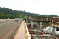Ponte construída na BR-282 devido a alagamento deve ficar pronta em junho   Obra é executada entre os municípios de São José do Cerrito, na Serra, e Vargem, no Meio-Oeste. http://mmanchete.blogspot.com.br/2013/02/ponte-construida-na-br-282-devido.html#.USv6zjBQGSo