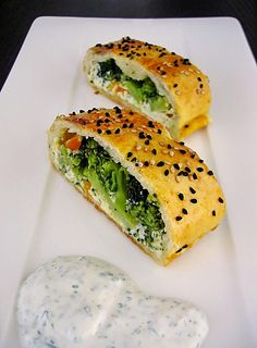 Broccoli Cream Cheese Strudel by Momo-Mouse Kids Party Snacks, Appetizers For Kids, Finger Food Appetizers, Appetizer Recipes, Best Party Food, Food Tags, Food For A Crowd, Food Porn, Food And Drink