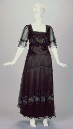 Evening Dress Artist/Maker:Josephine M. Kasselman (American, active 1913-1933), designer/maker Date:1916-1918 Place:Cincinnati/Ohio/United States
