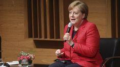 Angela Merkel en el Polo Científico Tecnológico de Buenos Aires. Foto: EFE / Alberto Ortiz