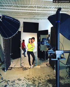 Thank you for sharing this great BTS with us @noyolafotografo!! __________________________ Repost @noyolafotografo: Publicidad Andrea  #noyolafotografo #rodolfonoyola  #broncolor #profotousa #phaseone #branding  #campaña #publicidad #makingof #backstage #sunbounce  @sunbounce_sunsniper  @broncolor @profotousa @famousbtsmagazine  @iso1200magazine @partnersandcrew Added by us: #behindthescenes #bts #studiophotography #fashion #model #setlife #famousbtsmagazine #famousbtsmag