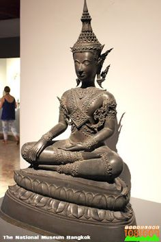 Travel around the world.: พระที่นั่งศิวโมกขพิมาน ห้องประวัติศาสตร์ชาติไทย (Siwamokkhaphiman Hall ,gallery of Thai history) พิพิธภัณฑสถานแห่งชาติ พระนคร