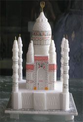 Krafts Buz is the destination where you can buy marble Taj Mahal in India. Our Marble Taj Mahal is great option for gifting on any occasion. You can visit our website for more attractive gifts.