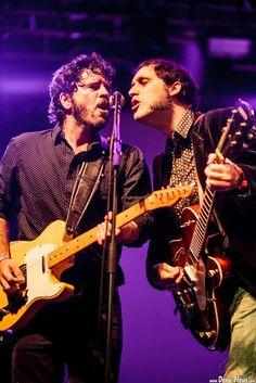 Pit Idoyaga -guitarra y voz- y Alfredo Niharra -guitarra y voz-  The Fakeband, Mockers Day 2015, Santana 27, Bilbao, 26/XII/2015. Foto por Dena Flows  http://denaflows.com/galerias-de-fotos-de-conciertos/f/fakeband/
