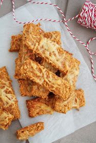 Cheese snacks with oatmeal Diet Recipes, Vegetarian Recipes, Snack Recipes, Cooking Recipes, Healthy Recipes, Cheese Snacks, Savory Snacks, Healthy Snacks, European Dishes
