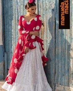 Colección 2020 Manuela Macías Moda Flamenca Daily Fashion, Retro Fashion, Spanish Fashion, Maria Jose, Saree Dress, Designer Dresses, Indian, Outfits, Collection