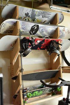 Organize garage supplies on the walls for more room! Organisieren Sie Ihre Garage mit DIY Wall Solutions – The Organized Mom