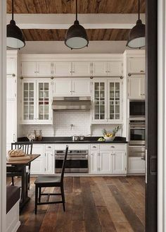 33 Nice Rustic Farmhouse Kitchen Cabinets Design Ideas - Country kitchen cabinets determine design in creating the distinctive character of each kitchen. Everyone loves the warmth of a country kitchen. Kitchen Cabinets Decor, Farmhouse Kitchen Cabinets, Cabinet Decor, Farmhouse Style Kitchen, Modern Farmhouse Kitchens, Kitchen Cabinet Design, Rustic Kitchen, Home Kitchens, Rustic Farmhouse