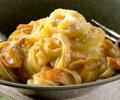 Top 10 Creamy & Cheesy Recipes For Fettuccine Alfredo Greek Cooking, Easy Cooking, Cookbook Recipes, Cooking Recipes, Healthy Recipes, Cheesy Recipes, Chicken Recipes, Good Food Image, The Kitchen Food Network