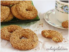 Susamlı Tatlı Simit Tarifi Savory Pastry, Turkish Recipes, World Recipes, Sweet Cakes, Beautiful Cakes, Bagel, Biscuits, Food And Drink, Sweets