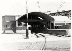 Paso a nivel de la antigua estación del ferrocarril de Las Arenas, años 50 (ref. SN00180)