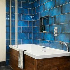 Stoere badkamer tegels: verouderde blauwe kleur!