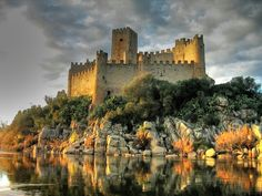 Castelo de Almourol ~ Medieval Castle located on a small islet in the middle of the Tagus River, in the civil parish of Praia do Ribatejo, Portugal Beautiful Castles, Beautiful Buildings, Beautiful Places, Chateau Medieval, Medieval Castle, Places To Travel, Places To See, Chateau Moyen Age, Photo Chateau